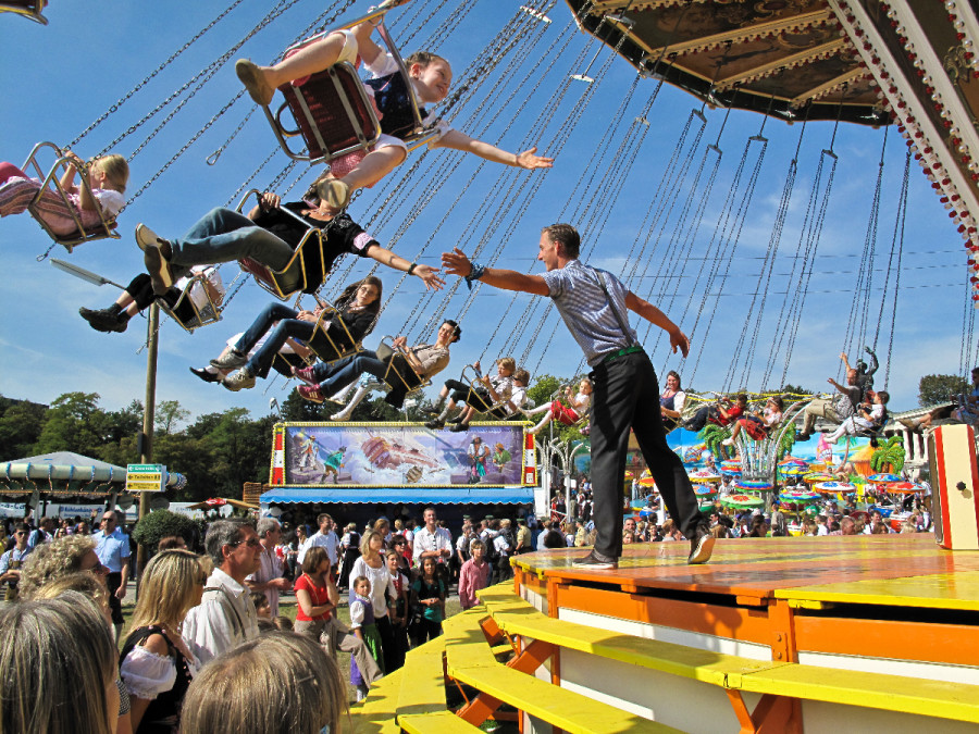 Traditional rides are the rule at the Oide Wies'n -- photo: dpa