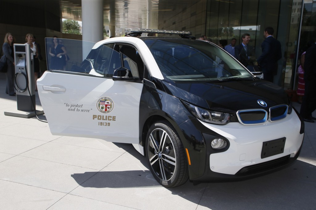 Bmw Wins Lapd Electric Car Contract Beating Tesla La Times