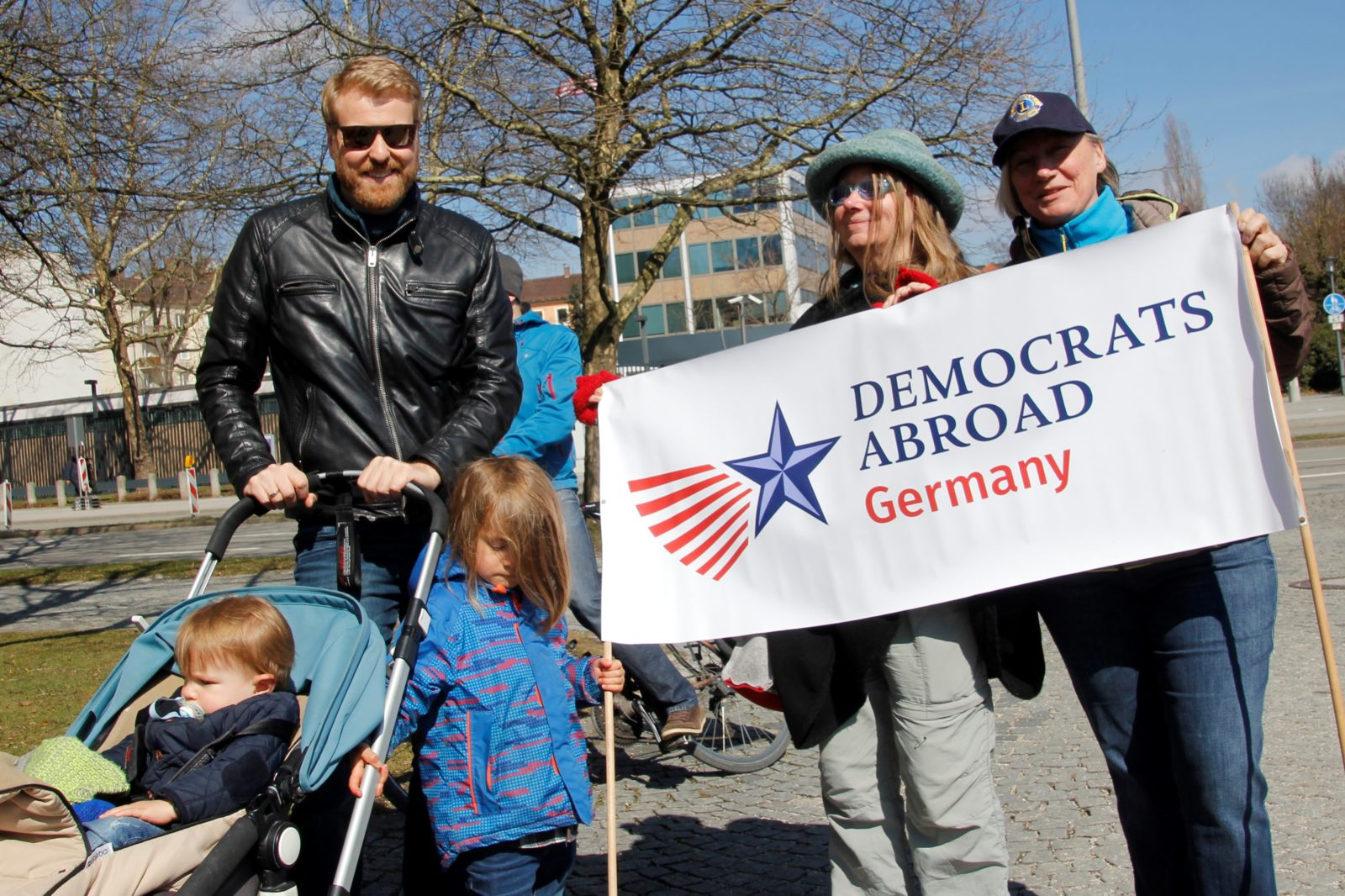 MunichNOW Munich March For Our Lives | Stefan and his kids Democrats Abroad organized the march -- munichFOTO