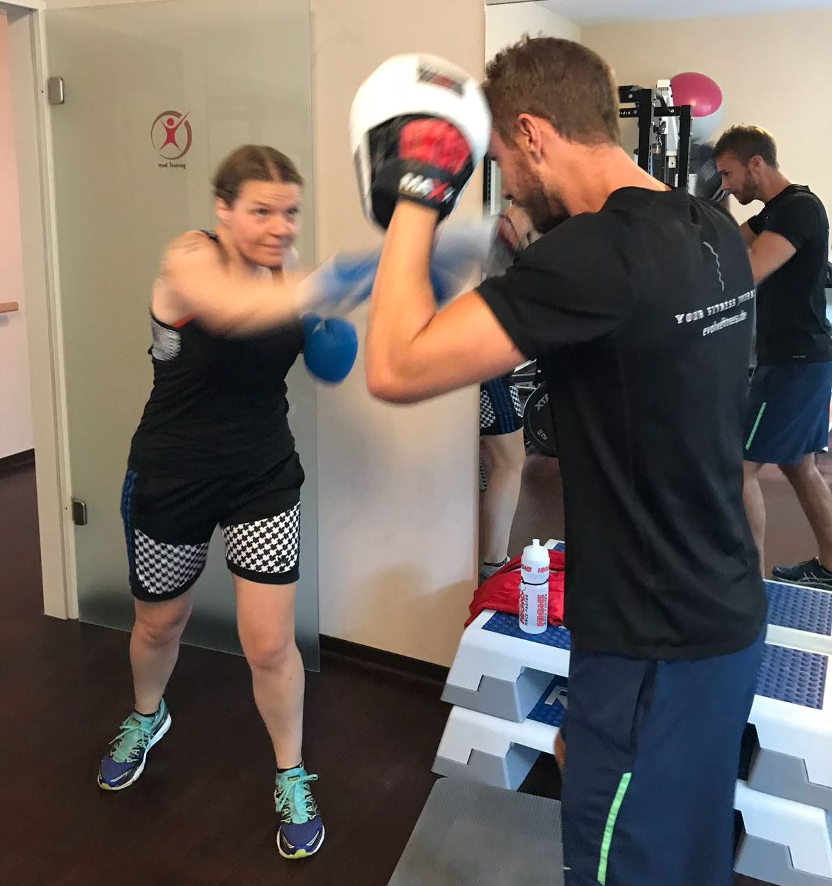 Rebecca and Neil go a few rounds! - photo: Evolve Fitness